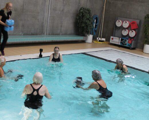 Holdtræning på land og i vand